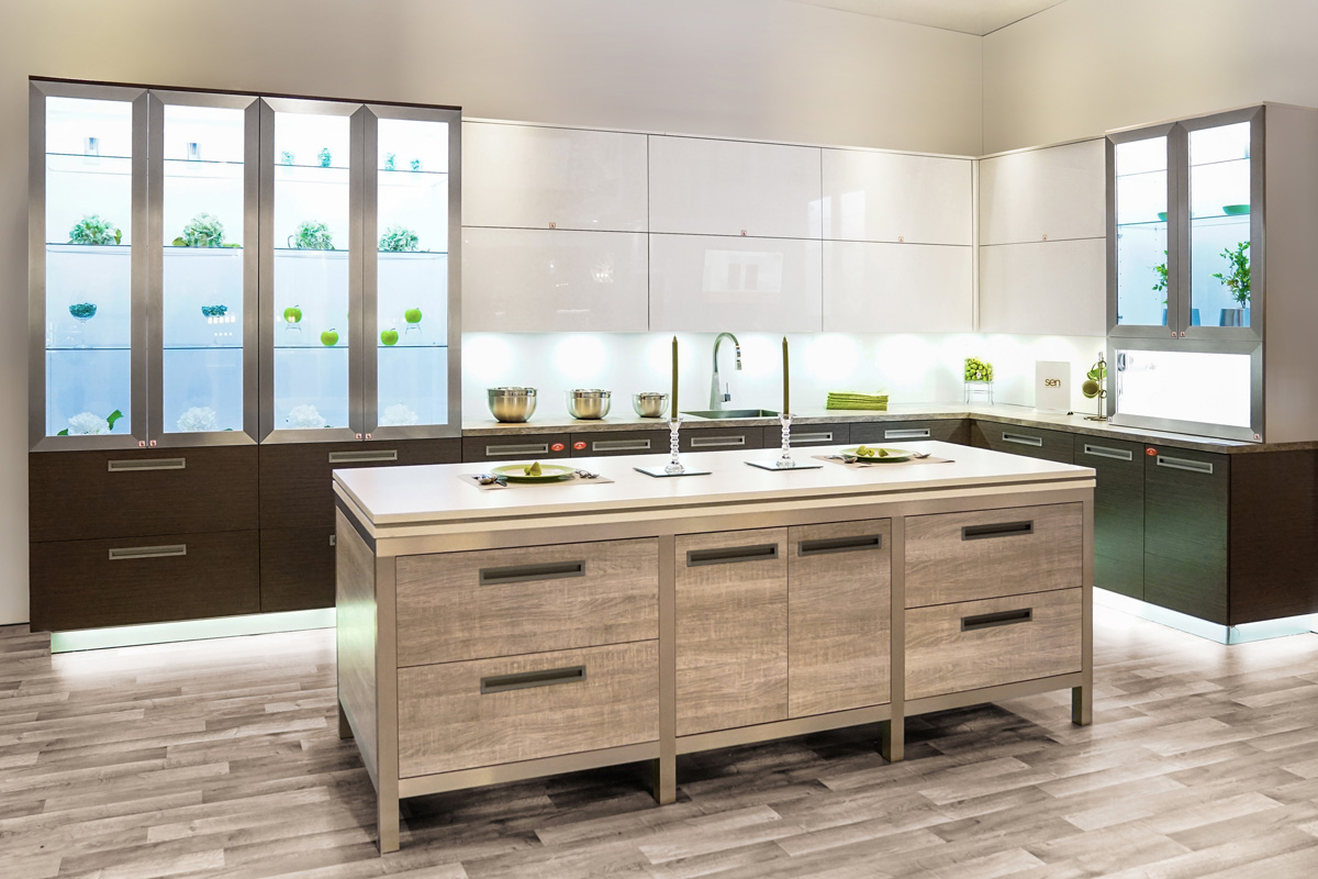 Combining The Best In Hardware, Lighting, And Cabinetry Resulted In A  Definite Show Stopper! Using Blum Motorized Lift Hinges Made This Already  Modern ...
